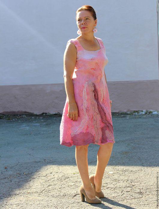 """Платья ручной работы. Ярмарка Мастеров - ручная работа. Купить Валяное платье """"Десерт из лесных ягод"""". Handmade. Розовый"""
