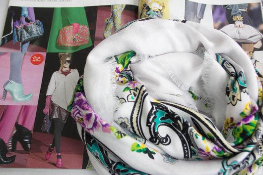 """Шали, палантины ручной работы. Ярмарка Мастеров - ручная работа. Купить Платок женский из ткани KENZO  """"Искусительный"""" белый. Handmade."""