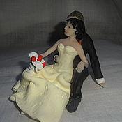 """Свадебный салон ручной работы. Ярмарка Мастеров - ручная работа Фигурки на свадебный торт """"Жених и невеста"""". Handmade."""