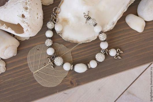 Свадебные украшения ручной работы. Ярмарка Мастеров - ручная работа. Купить Браслет белый Seashell из агата, из коралла. Handmade. Белый