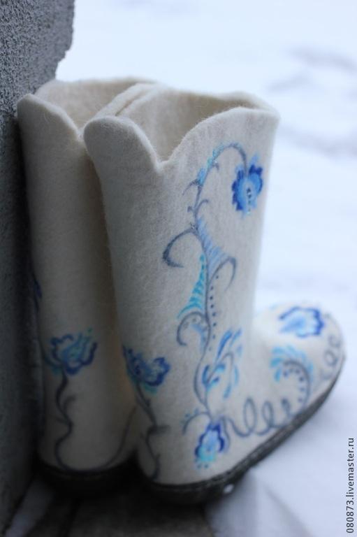 """Обувь ручной работы. Ярмарка Мастеров - ручная работа. Купить Валенки женские """"Гжель"""" праздничные, свадебные. Handmade. Белый, Снег"""