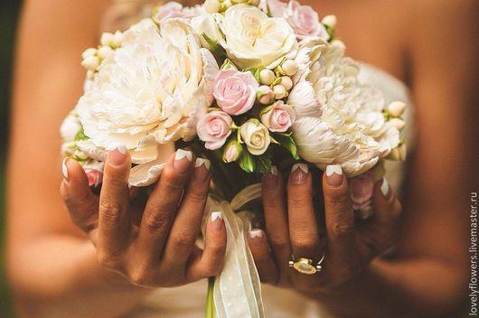 Свадебные цветы ручной работы. Ярмарка Мастеров - ручная работа. Купить Букет невесты с пионами и розами из полимерной глины. Handmade.