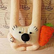 Мягкие игрушки ручной работы. Ярмарка Мастеров - ручная работа Мягкие игрушки: Зайчик Хрумка. Handmade.