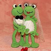 Свадебный салон ручной работы. Ярмарка Мастеров - ручная работа Подарок на свадьбу: Новобрачные лягушки. Handmade.