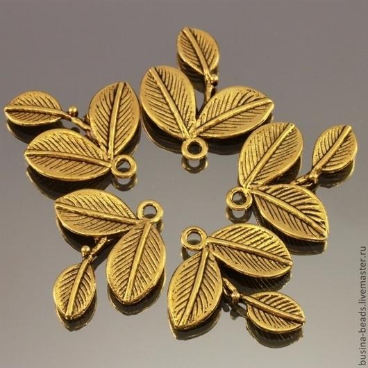 Металлические подвески в форме веточки с тремя листиками из сплава с покрытием под античное золото комплектом из пяти штук для использования в сборке украшений