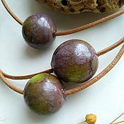 Украшения ручной работы. Ярмарка Мастеров - ручная работа колье-кулон  -шар из стекла  фиолетовый с зелёным - инжир. Handmade.