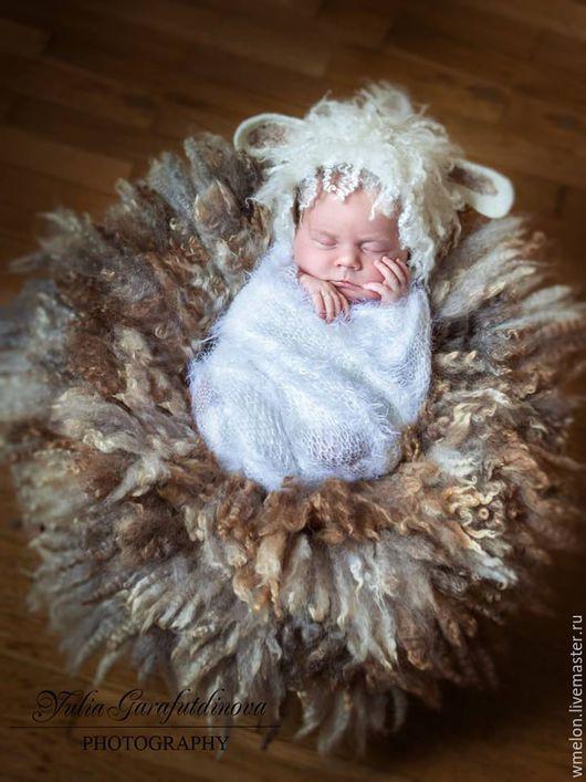 """Для новорожденных, ручной работы. Ярмарка Мастеров - ручная работа. Купить Обмотка, пелена для фотосессии """"Лебедь"""". Handmade. Разноцветный, реквизит"""