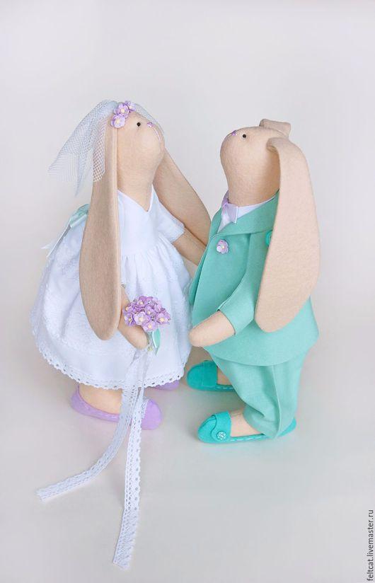 Подарки на свадьбу ручной работы. Ярмарка Мастеров - ручная работа. Купить Свадебные зайцы мята/сирень подарок на свадьбу. Handmade. Мятный