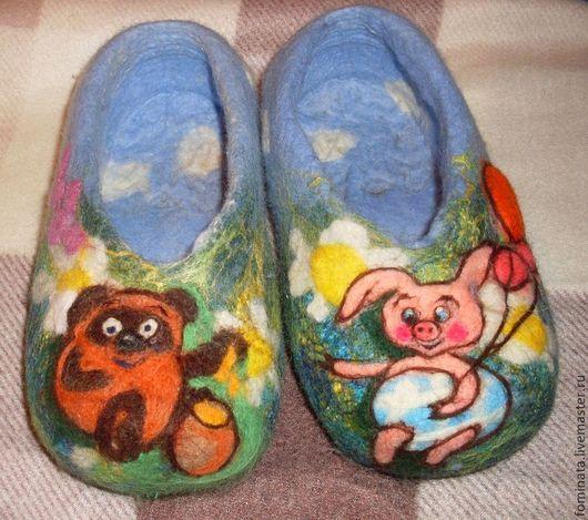 """Детская обувь ручной работы. Ярмарка Мастеров - ручная работа. Купить детские тапочки """"Винни-пух и Пяточок"""". Handmade."""