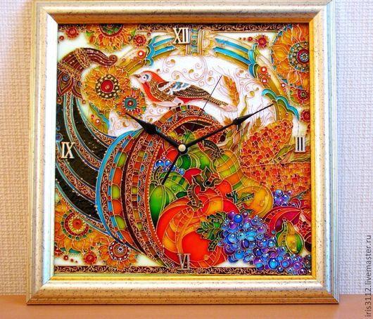 """Часы для дома ручной работы. Ярмарка Мастеров - ручная работа. Купить """"Рог изобилия"""" Роспись стекла витражными красками и контурами.. Handmade."""