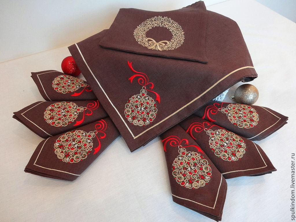 Christmas set tablecloth and 6 napkins with embroidery `Golden ball`   `Sulkin house` workshop of embroidery.