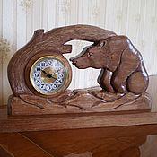 Часы классические ручной работы. Ярмарка Мастеров - ручная работа Деревянные настольные часы Медведь. Handmade.