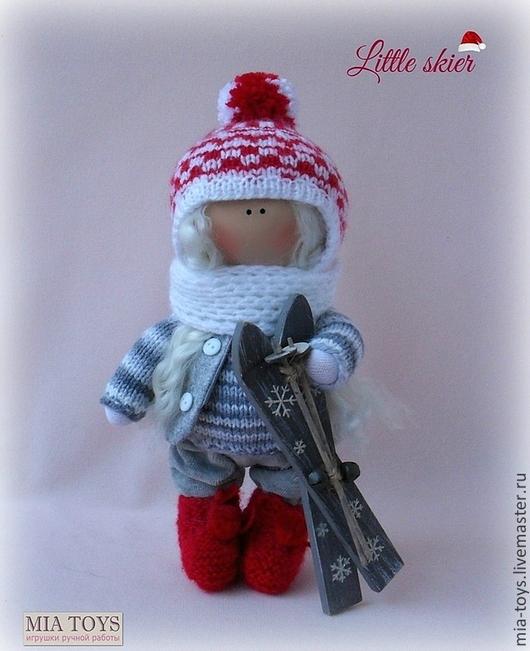 Коллекционные куклы ручной работы. Ярмарка Мастеров - ручная работа. Купить Маленькая лыжница. Handmade. Ярко-красный, авторская игрушка