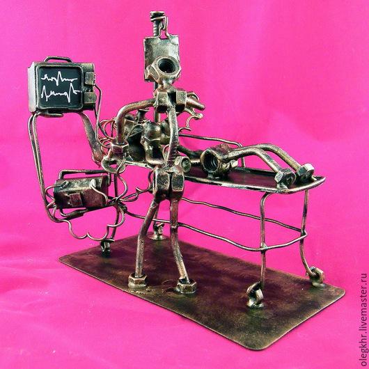 Миниатюрные модели ручной работы. Ярмарка Мастеров - ручная работа. Купить Реаниматолог №2. Handmade. Сувенир из гаек, подарок реаниматологу