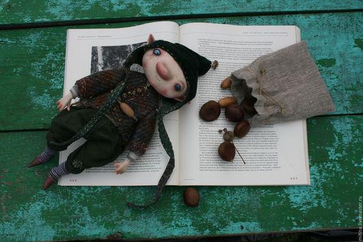 Сказочные персонажи ручной работы. Ярмарка Мастеров - ручная работа. Купить Гном Орешек. Handmade. Хаки, гномик, лён