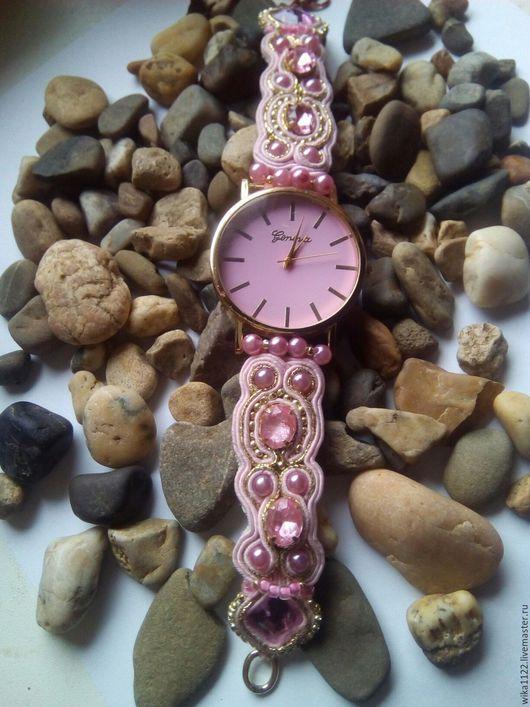 """Часы ручной работы. Ярмарка Мастеров - ручная работа. Купить часы сутажные"""" Ванильные облака"""". Handmade. Бледно-розовый"""