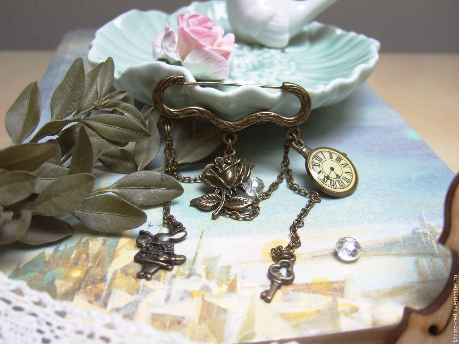 vintage brooch with pendants Alice in Wonderland rabbit rose cards mad tea party the key easy time dial