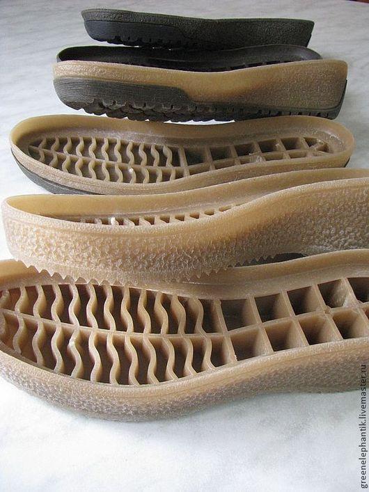 Подошва `Margo` 2 и `Margo` 3 для изготовления сапог, валенок и ботинок. Высококачественная, стильная подошва. Однотонная снята с производства, есть в остатках . Размеры уточняйте.