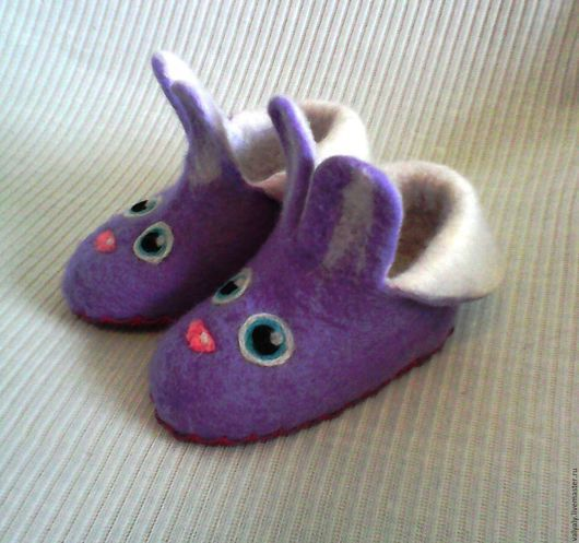 Обувь ручной работы. Ярмарка Мастеров - ручная работа. Купить валяные детские тапочки зайки   сделаю на заказ. Handmade. Сиреневый