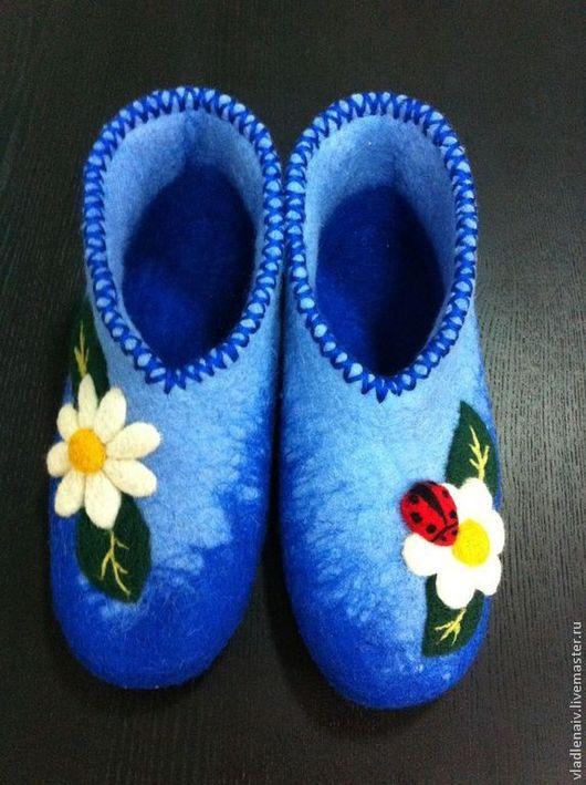 """Обувь ручной работы. Ярмарка Мастеров - ручная работа. Купить Валенки """"Ромашки"""". Handmade. Тапочки, тапочки из шерсти"""