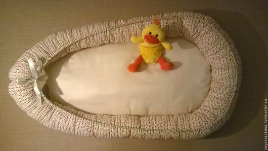 Гнездышко-кокон для новорожденного со съемным матрасиком