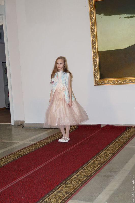 """Одежда для девочек, ручной работы. Ярмарка Мастеров - ручная работа. Купить """"Снегири"""" детский жилет. Handmade. Комбинированный, одежда для девочек"""