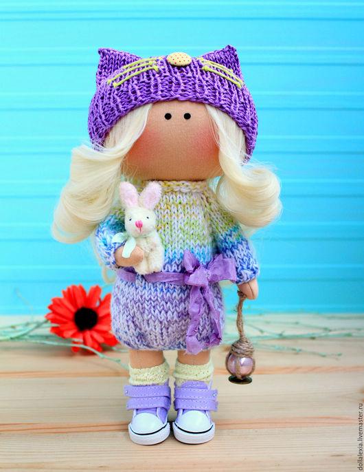 Интерьерная кукла тыквоголовка `Девочка с фонариком` - это замечательный подарок на любой случай. ))