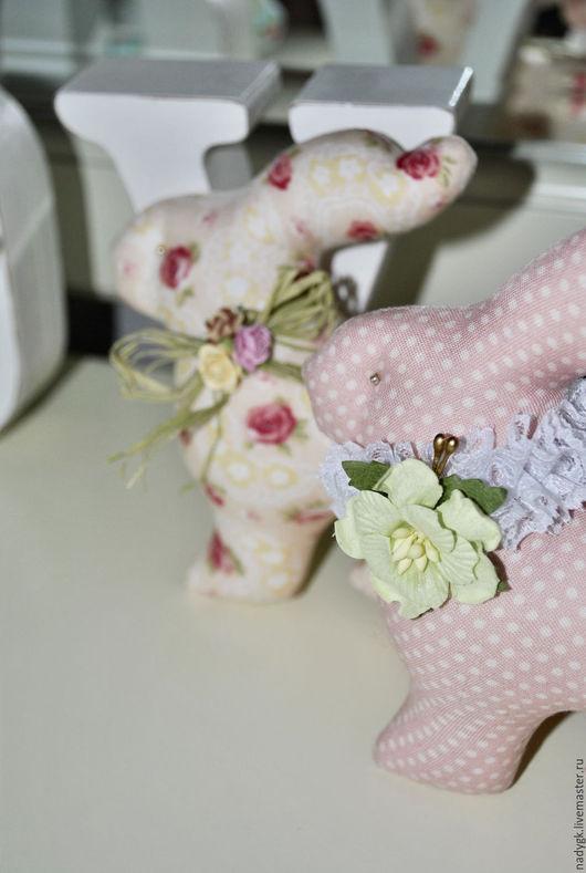 Куклы Тильды ручной работы. Ярмарка Мастеров - ручная работа. Купить Пасхальные зайчики. Handmade. Интерьерная композиция, для дома и интерьера