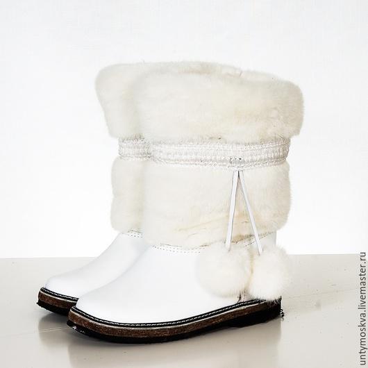 Обувь ручной работы. Ярмарка Мастеров - ручная работа. Купить Унты женские ( войлочная подошва ) уж13. Handmade.
