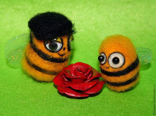 Пчёлки 3,5 и 4,3 см. Цена: 500 рублей