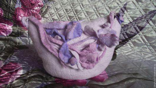 """Женские сумки ручной работы. Ярмарка Мастеров - ручная работа. Купить валяная сумочка """"Ирисы"""". Handmade. Однотонный, валяная сумка"""