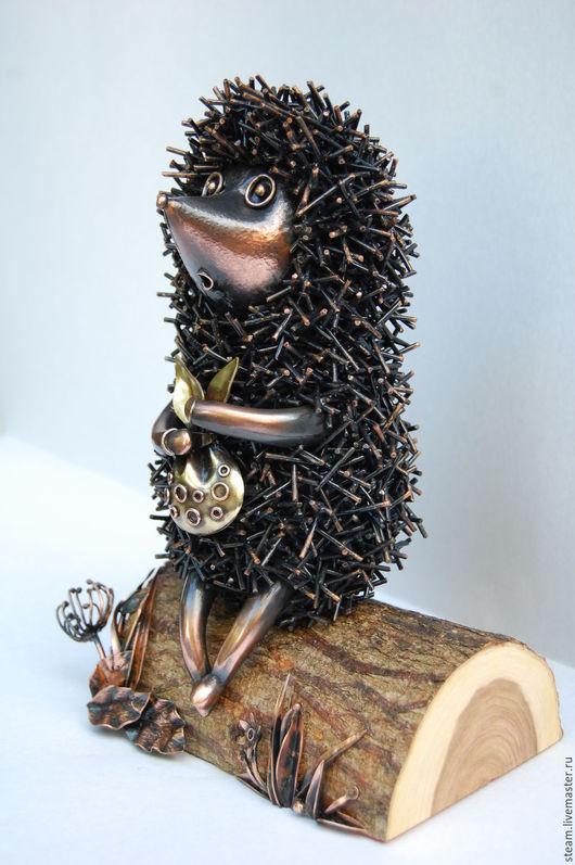"""Статуэтки ручной работы. Ярмарка Мастеров - ручная работа. Купить Скульптура из металла """" Ёжик в тумане"""". Handmade. латунь"""
