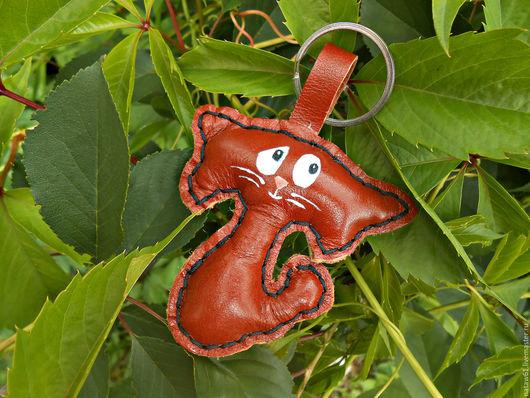 """Украшения для сумок ручной работы. Ярмарка Мастеров - ручная работа. Купить Брелок """"Кот"""" (брелок кожаный,подвеска,украшение на сумку). Handmade."""