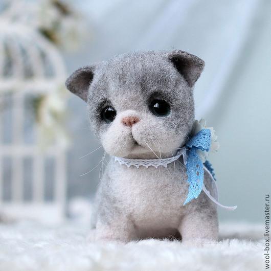 Котенок игрушка из шерсти