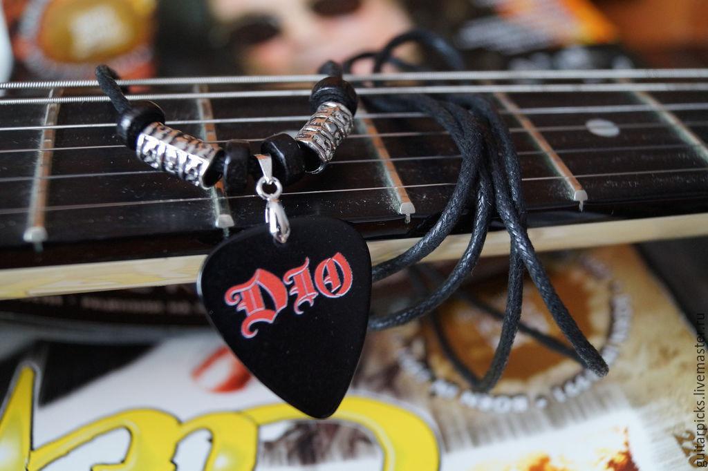 """Черный кулон-медиатор на шнурке с логотипом группы """"Dio"""", Кулоны подвески, Москва, Фото №1"""