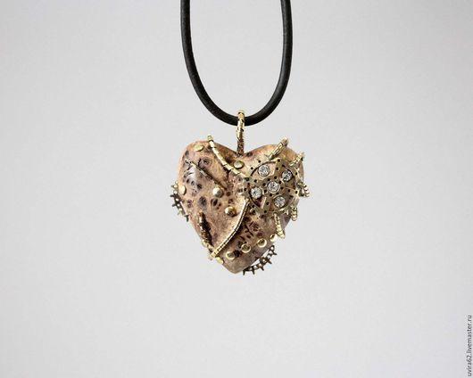 """Кулоны, подвески ручной работы. Ярмарка Мастеров - ручная работа. Купить Кулон сердце """" Феникс"""". Handmade. Коричневый, сердце"""
