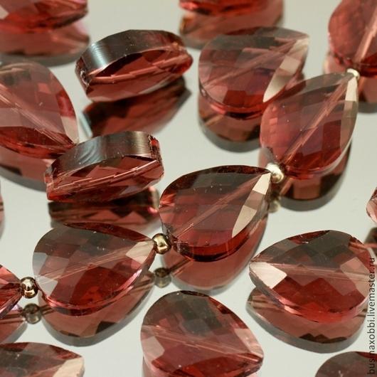 Бусины стеклянные граненые каплевидной формы бриолет из стекла цвета бургунди для использования в сборке украшений, например в качестве подвесок в серьгах или колье