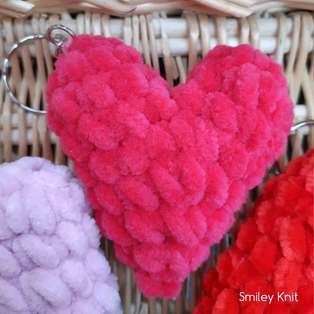 Брелок вязаное сердце . Белое / Розовое / Красное / Голубое сердце