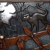 Картины и панно ручной работы. Ярмарка Мастеров - ручная работа Резное дерево_Полнолуние_Кот на заборе. Handmade.