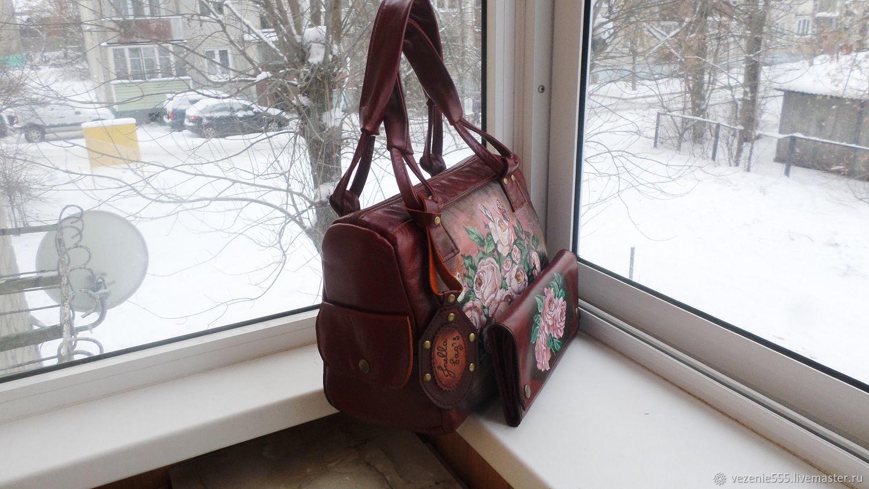8010e02b5c37 Комплект для Елены Женские сумки ручной работы. Сумка и несессер кожаные с  росписью.