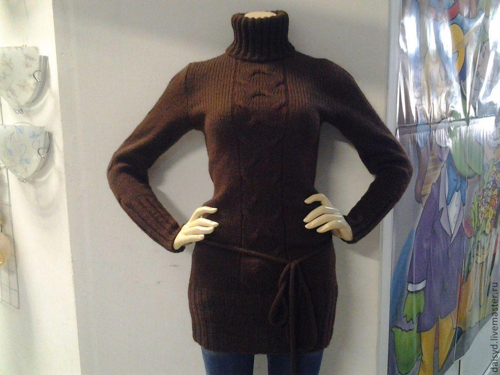 Коричневый свитер женский
