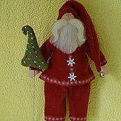 Куклы и игрушки ручной работы. Ярмарка Мастеров - ручная работа Санта с ёлкой.. Handmade.