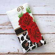 Сумки и аксессуары handmade. Livemaster - original item Leopard and Rose beaded eyeglass case, phone case. Handmade.