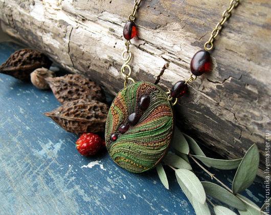 кулон `Духи леса`, автор - Алина Логинова (украшения `Брусника`).