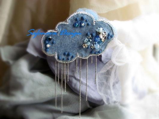 Броши ручной работы. Ярмарка Мастеров - ручная работа. Купить Cloud. Handmade. Голубой, кожаная брошь, кристаллы сваровски (swarovski)
