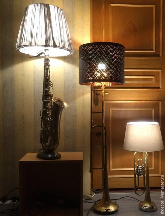 Освещение ручной работы. Ярмарка Мастеров - ручная работа. Купить ЛАмпы из старых духовых инструментов. Handmade. Настольная лампа
