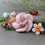 Бусины стеклянные лэмпворк Комлект c розой, 14 шт