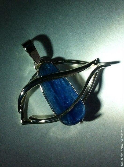 """Кулоны, подвески ручной работы. Ярмарка Мастеров - ручная работа. Купить кулон """"Глаз"""" с синим кианитом. Handmade. Серебряный"""