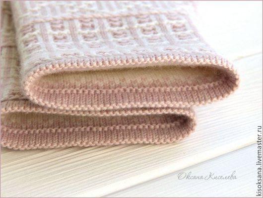 Варежки, митенки, перчатки ручной работы. Ярмарка Мастеров - ручная работа. Купить Варежки вязаные теплые женские жаккардовые бело-розовые. Handmade.