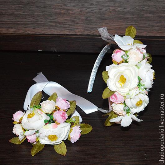 Диадемы, обручи ручной работы. Ярмарка Мастеров - ручная работа. Купить Ободок и браслет из цветов свадебный или для выпускного вечера. Handmade.